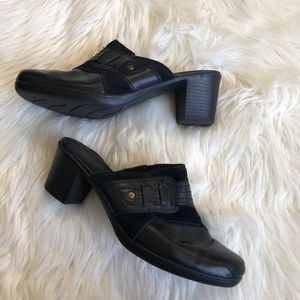 black clarks clogs size 8.5